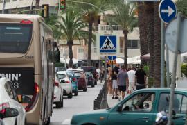 Ibiza pedirá al Govern una modificación legislativa para limitar la entrada de vehículos a la Isla