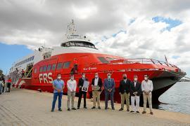 Puesta de largo de la nueva naviera FRS en «el puerto más difícil»