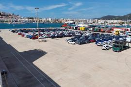 Los Rent a Car quieren que no entren más coches de alquiler en Ibiza porque sobra el 25% de la flota