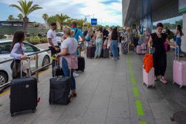 Turistas de Países Bajos y Reino Unido cancelan sus reservas