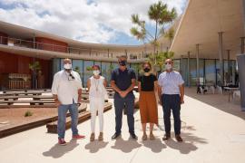 Calo de s'Oli se inaugura con una muestra sobre la importancia de preservar los fondos marinos