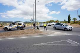 Violento choque entre tres coches en el acceso a Sant Antoni, en imágenes.