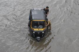 Una súbita lluvia torrencial deja al menos 20 muertos en la ciudad india de Bombay