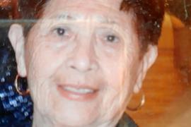 Rosa, atrapada en Argentina a sus 87 años al caducar su certificado de residencia