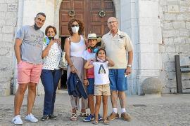Dalt Vila retoma el pulso de sus calles