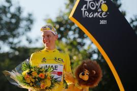 Pogacar se abre paso en la leyenda del Tour, Van Aert bate a Cavendish en París