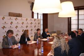 El Govern creará un equipo de relaciones públicas turístico en Reino Unido y Alemania