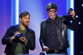 """Babel"" es el disco del año en unos Grammy dominados por The Black Keys"