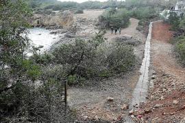 Santa Eulària autorizó la construcción del muro en el bosque de Pou des Lleó