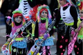 La Villa des Riu se disfraza de alegría y colorido