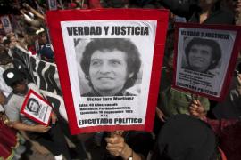 Emotivo homenaje al cantautor Victor Jara en Chile