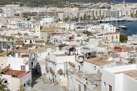 Vila ayudará a pagar el alquiler a inquilinos y 'okupas' de sa Penya para facilitar su desalojo
