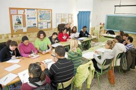 Ochenta personas se apuntan a los cursos de catalán en Formentera