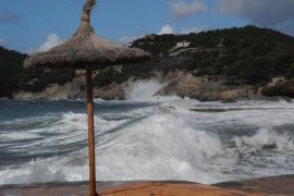 Baleares estará mañana en alerta amarilla por viento, nieve y mala mar