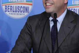 Italia se perfila ingobernable con la remontada de Berlusconi
