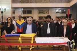 El Príncipe Felipe asistirá mañana al funeral de Hugo Chávez