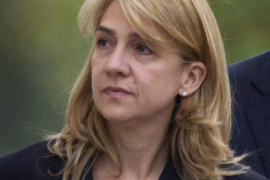 El juez investiga una cuenta bancaria atribuida a los duques de Palma