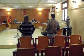 Seis años de prisión para un joven que abusó de una menor y grabó desnudas a otras tres en Artà
