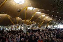 Sindicatos e Iberia firman la  propuesta del mediador, poniendo fin a la huelga
