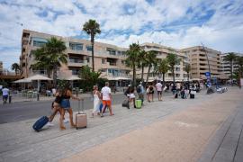 La mitad de los taxis estacionales no circulan este verano en Ibiza