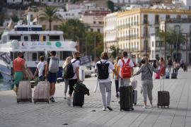 El Govern opta por regular el «exceso de escalas marítimas» entre Ibiza y Formentera