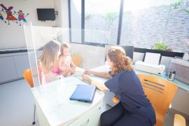 Gómez dice que contratarían más pediatras en Ibiza si estuvieran disponibles