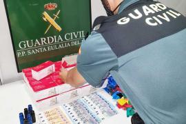 Detenido en Ibiza un hombre con 1.056 bombonas de óxido nitroso