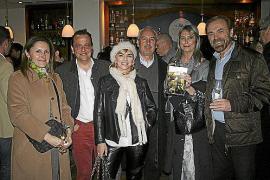 Celia Velasco presenta su primera novela, Los atardeceres de Julia