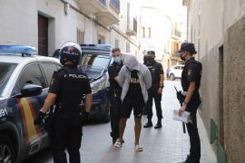 La jueza envía a prisión al autor de la paliza a un joven en Cales de Mallorca