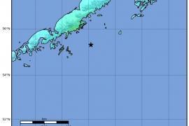 Cancelan la alerta de tsunami tras el fuerte terremoto en Alaska