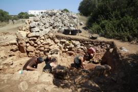 Excavación arqueológica en Son Catlar