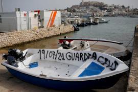 Los patrones del velero detenidos por transportar a un grupo de ocho inmigrantes, en libertad