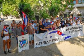 Los cubanos de Ibiza se manifiestan por la libertad y el fin de la dictadura