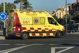 Herida tras ser atropellada por una moto en la carretera de Cala Gracioneta