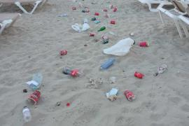 El PSOE exige a Sant Joan que acabe con los botellones ilegales en Portinatx