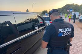 Denunciado un 'taxi pirata' interceptado en un macrodispositivo policial en Sant Antoni