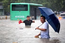 Los muertos por inundaciones en el centro de China aumentan a 302