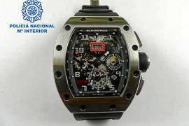 La Policía caza en el aeropuerto de Ibiza a un multirreincidente por el robo un valioso reloj