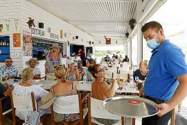 Ibiza y Formentera lideran la caída del paro en Baleares