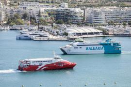 Cs critica la decisión de APB de prohibir las maniobras simultáneas en los puertos pitiusos