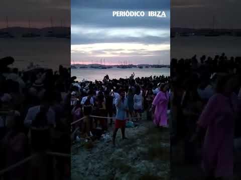¿Qué le parecen las imágenes del descontrol en una playa de Formentera?