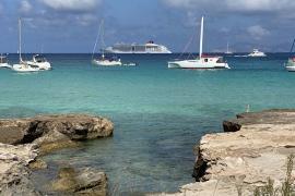Llega el primer crucero de la temporada a Formentera