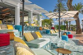 El Hotel W Ibiza es un lugar en el que dejarse llevar y disfrutar de una escapada única