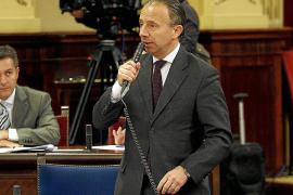 Tarrés recuerda a Delgado que es el conseller balear «y no puede dejar una isla al margen»