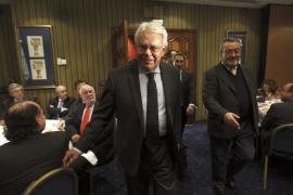 Felipe González alerta de la seria crisis institucional y reclama reformas