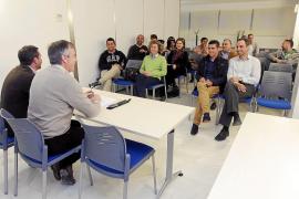 La alcaldesa de Vila no aceptará la renuncia de los concejales del PREF para seguir gobernando con mayoría