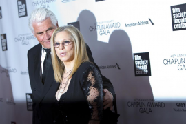 Barbra Streisand celebra su 71 cumpleaños rodeada de amigos