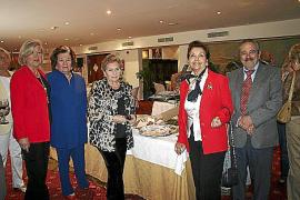 Entrega de la medalla 'Picasso' de la Unesco a Pere A. Serra