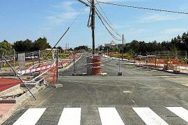 Un poste de Telefónica impide la apertura de la variante de Sant Ferran