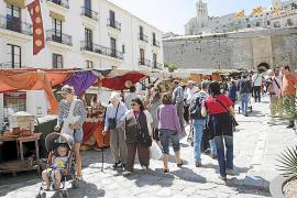 Quejas de artesanos de la Península hacia la organización  de la Eivissa Medieval